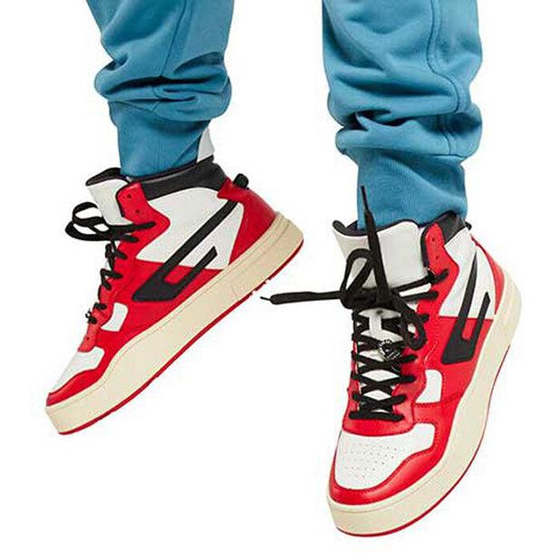 "<div class=""module-8__title""><div class=""pd-heading__container"">             <h3 class=""pd-heading pd-h3-style pd-text-align-left pd-heading-small""  style='' >          Men's Shoes     </h3> </div><div class=""pd-icon"">                                        <style>             #icon-arrow-cta-f2bb3264ee99f84a403773da2a{                 fill:;             }             </style>                  <svg id=""icon-arrow-cta-f2bb3264ee99f84a403773da2a"" class=""icon-arrow-cta"">             <use xlink:href=""/on/demandware.static/Sites-DieselCA-Site/-/default/dw95145476/imgs/sprite.svg#arrow-cta""/>         </svg>         </div></div>"