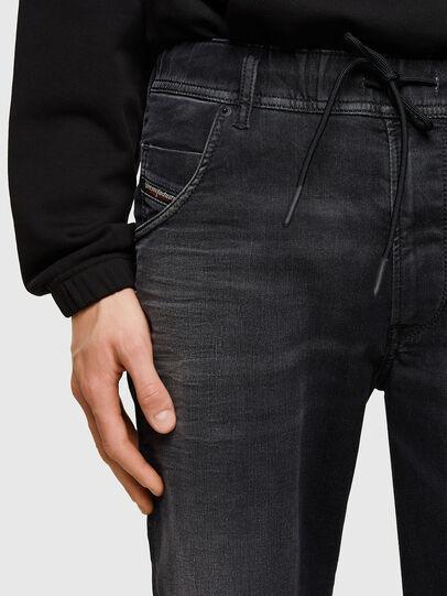 Diesel - D-KROOSHORT JOGGJEANS, Noir - Shorts - Image 3