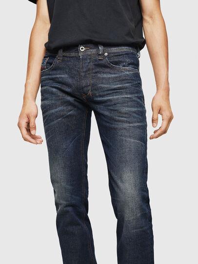 Diesel - Larkee 084ZU, Bleu Foncé - Jeans - Image 3