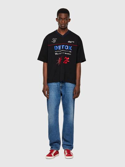 Diesel - T-DELPHIVY-SLITS, Noir - T-Shirts - Image 4