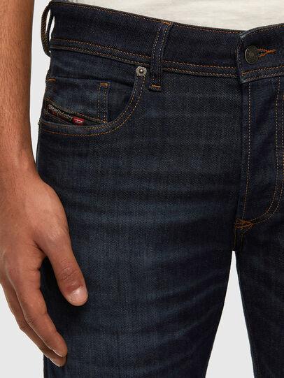 Diesel - Sleenker 009DI, Bleu Foncé - Jeans - Image 4