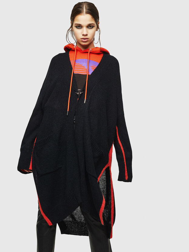 M-SURI, Black/Red - Sweaters