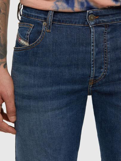 Diesel - D-Yennox 009DG, Bleu moyen - Jeans - Image 4