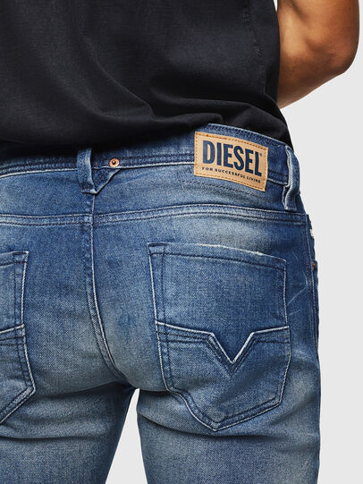 Diesel - Larkee 0090D, Bleu moyen - Jeans - Image 5