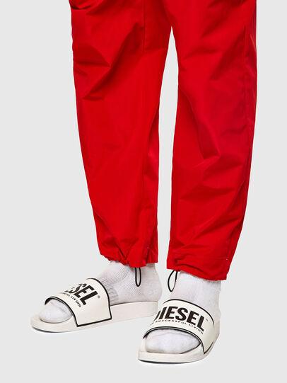 Diesel - P-TOLLER-ZIP, Rouge - Pantalons - Image 4