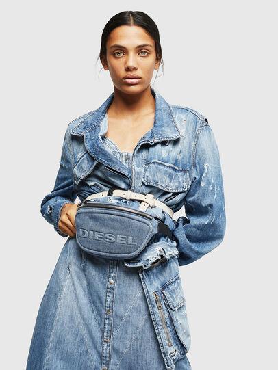 Diesel - ADRIA, Jean Bleu - Sacs ceinture - Image 6