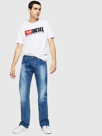 Diesel - Larkee C84NV, Bleu Clair - Jeans - Image 4