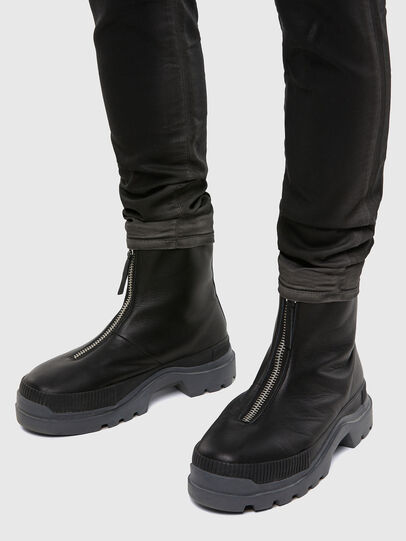Diesel - D-Strukt JoggJeans® 069QX, Noir/Gris foncé - Jeans - Image 5