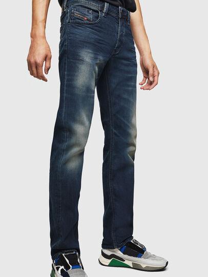 Diesel - Larkee 084AU, Bleu Foncé - Jeans - Image 5