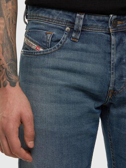 Diesel - Larkee 009EI, Bleu moyen - Jeans - Image 4