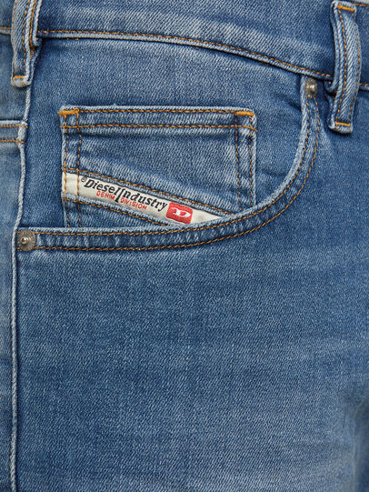 Diesel - D-Yennox 009EK, Bleu Clair - Jeans - Image 4