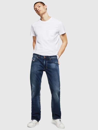 Diesel - Larkee 083AD, Bleu Foncé - Jeans - Image 5