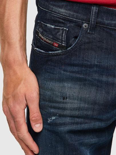 Diesel - D-Strukt JoggJeans® 09B50, Bleu Foncé - Jeans - Image 3