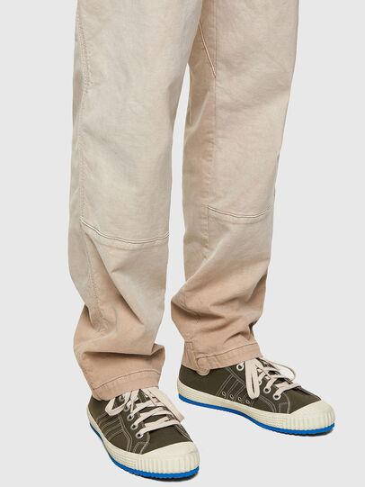 Diesel - D-Azerr JoggJeans® 069WG, Blanc - Jeans - Image 4
