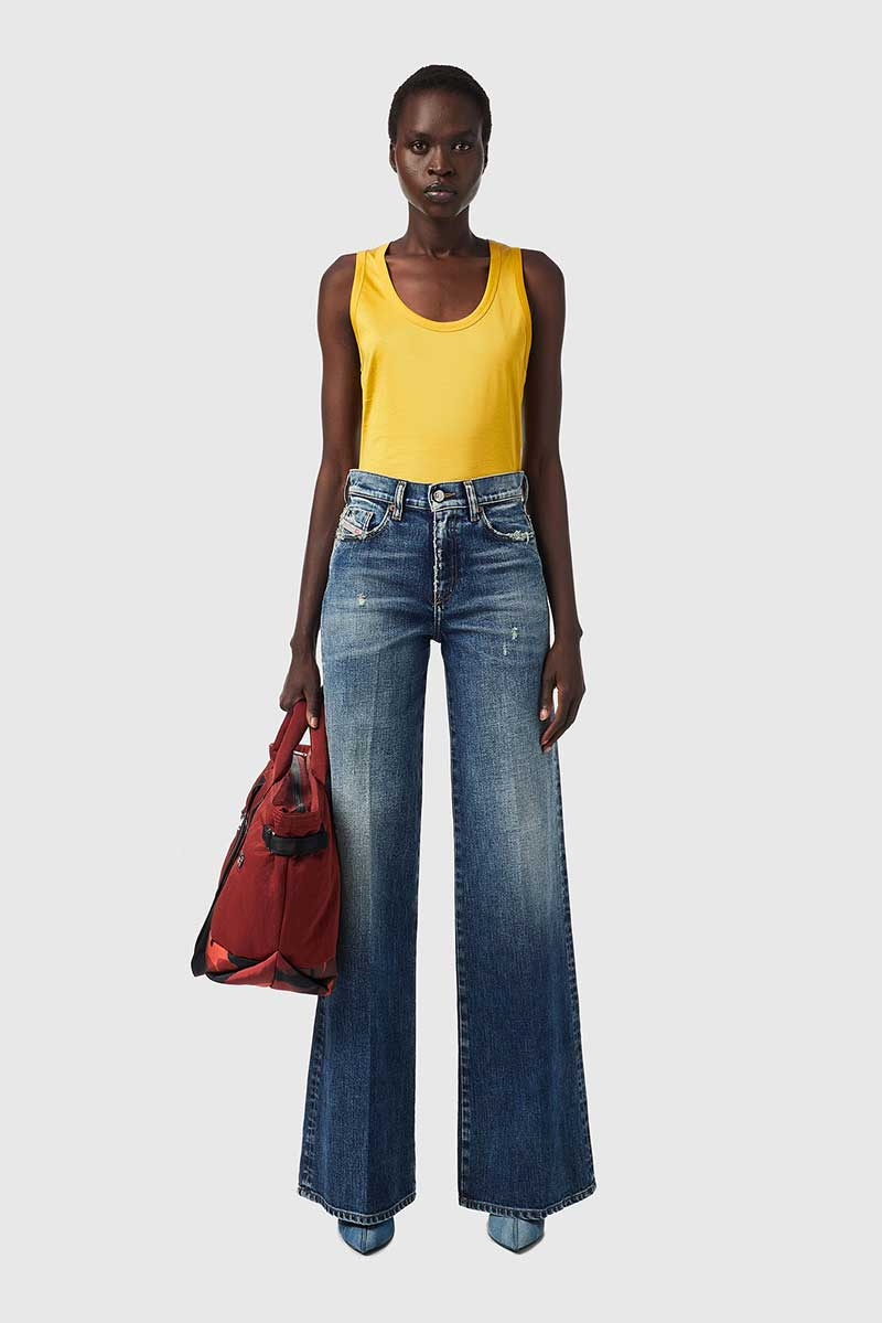 Shop Dakemi Jeans
